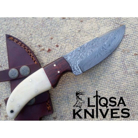 Damascus Steel Hand forged Hunting Knife LQS-014