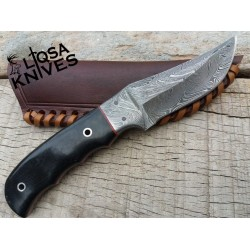 Beautiful custom hand made Damascus steel hunting knife LHM-11